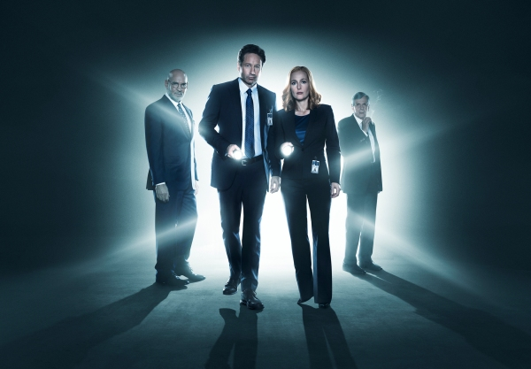 THE X-FILES: L-R: Mitch Pileggi, David Duchovny, Gillian Anderson and William B. Davis. The next mind-bending chapter of THE X-FILES debuts with a special two-night event beginning Sunday, Jan. 24 (10:00-11:00 PM ET/7:00-8:00 PM PT), following the NFC CHAMPIONSHIP GAME, and continuing with its time period premiere on Monday, Jan. 25 (8:00-9:00 PM ET/PT).  ©2015 Fox Broadcasting Co.  Cr:  Frank Ockenfels/FOX