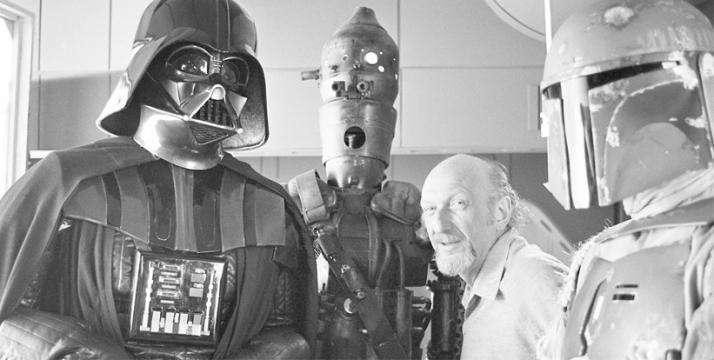 Diretor Irvin Kershner com os vilões: David Prowse (Darth Vader), IG-88 e Jeremy Bulloch (Boba Fett)