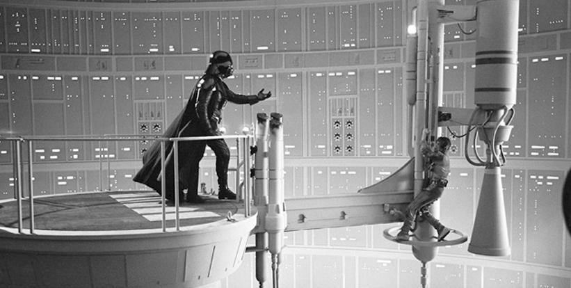 David Prowse (Darth Vader) na fatídica e reveladora cena com Mark Hamil (Luke Skywalker)